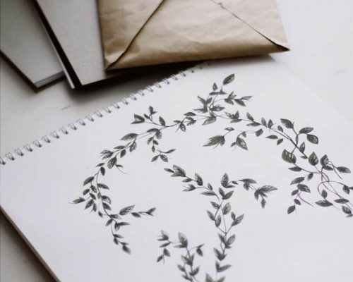 Pad of floral paper with envelopes